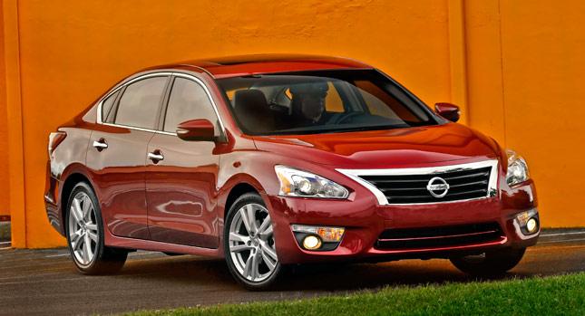 Nissan Altima 2015 a precios desde $22,380 en los EE.UU.